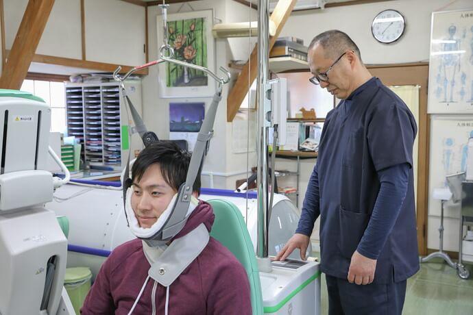 ワンヤ接骨院・鍼灸院の交通事故治療の様子